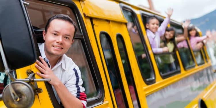 Conductor de buses escolares trabajos usa que pagan bien