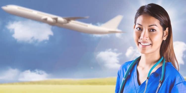 Enfermera viajante empleos que permiten viajar gratis