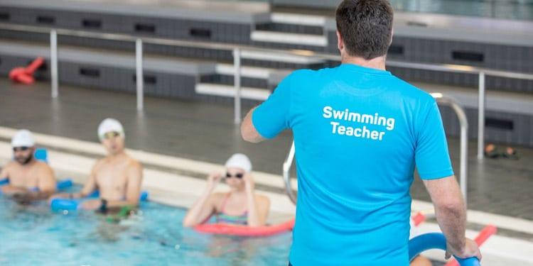 Instructor de natacion empleo facil bien pagado