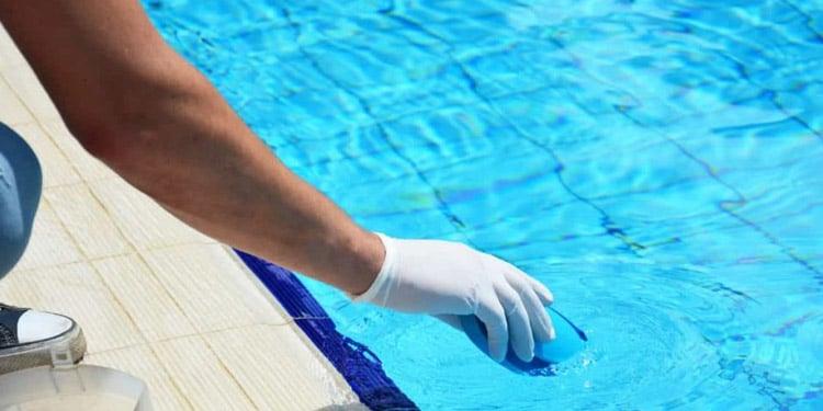 Limpieza de piscinas trabajos faciles bien remunerados