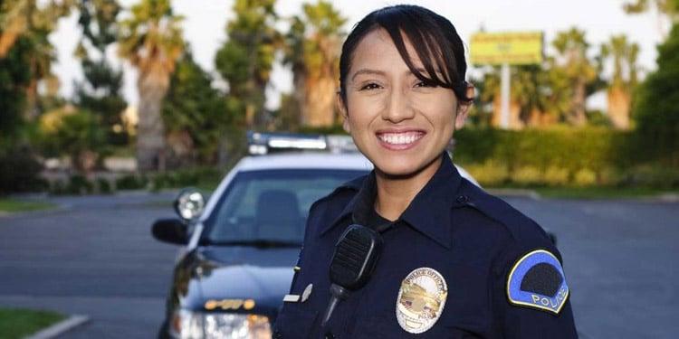Policia empleo facil de conseguir