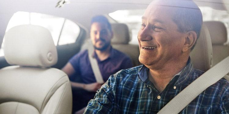 Trabajar con Uber o Lyft trabajo facil bien remunerados