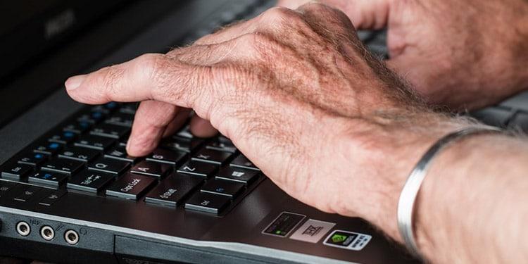 Escritor trabajos para mayores desde casa