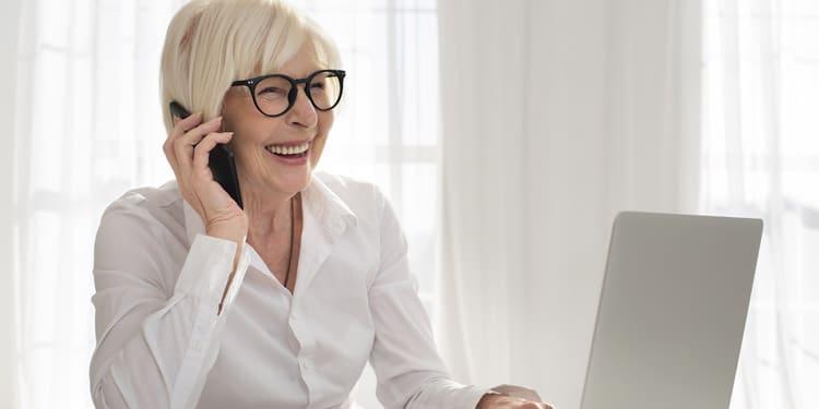 Representante de servicio al cliente trabajos desde casa para mayores de 50 anos