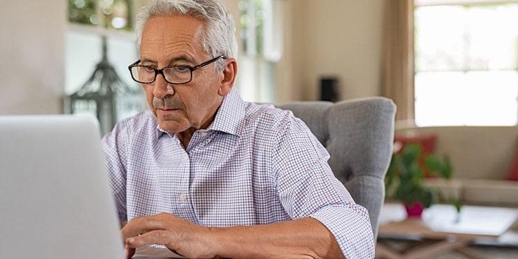 Trabajos de atencion al cliente en espanol para personas mayores