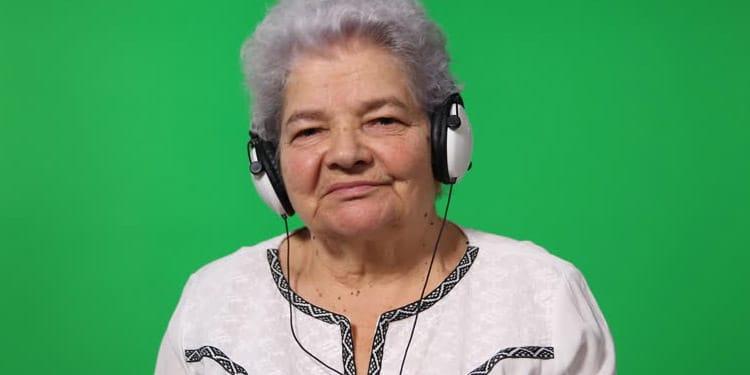 Transcripcion de audio empleos para ancianos