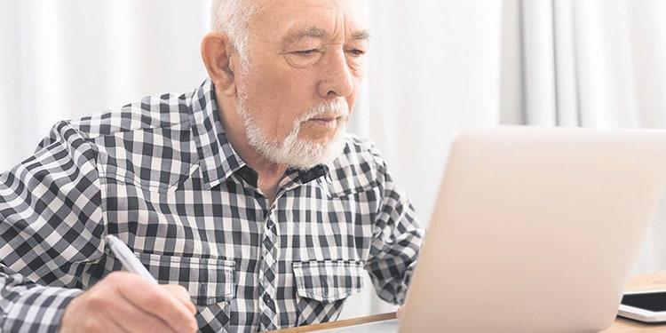 trabajos faciles para personas mayores Facturador medico