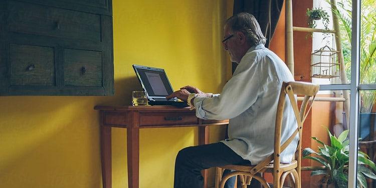 trabajos para mayores de 50 anos asistente virtual