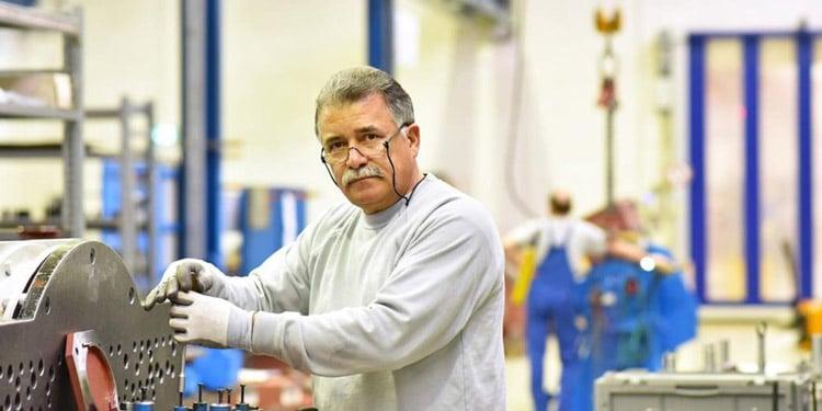 trabajos para mayores que no hablan ingles Trabajos en fabricas