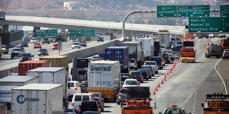 Trafico y transporte en Riverside California