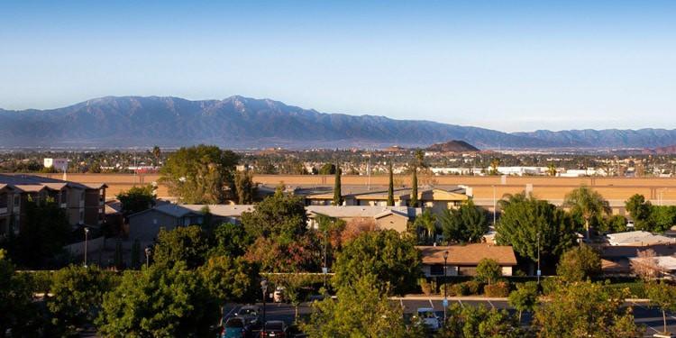 clima corona california