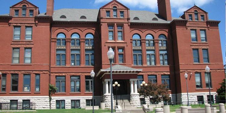 Escuelas y universidades en Springfield