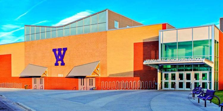 Escuelas y universidades en Arvada