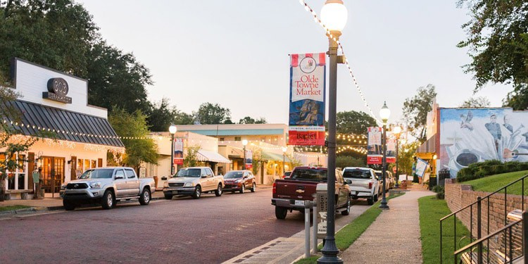 mejores ciudades Mississippi Clinton