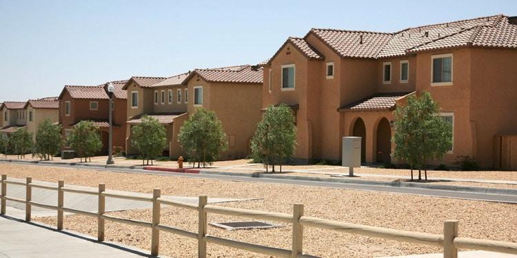 vivir economico Fort Irwin California