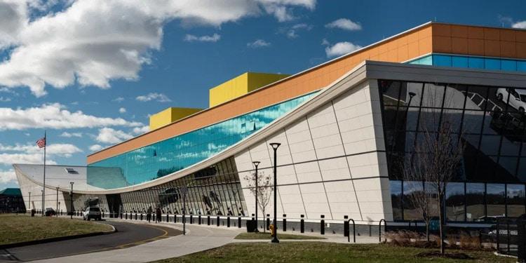 Escuelas y universidades en Bridgeport harding high school