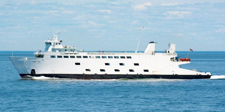 Trafico y transporte en Bridgeport Connecticut ferry