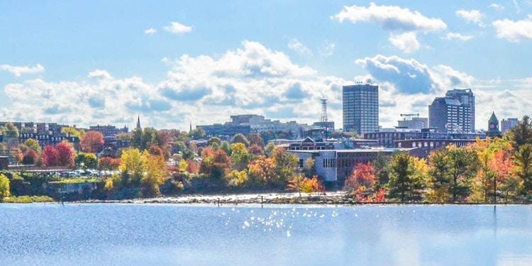 donde vivir en Manchester New Hampshire